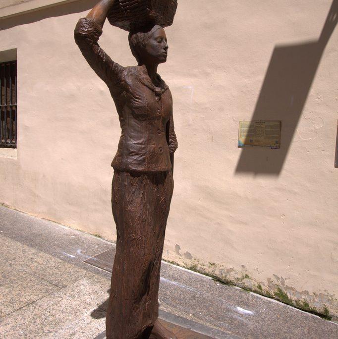 escultura dora salazar